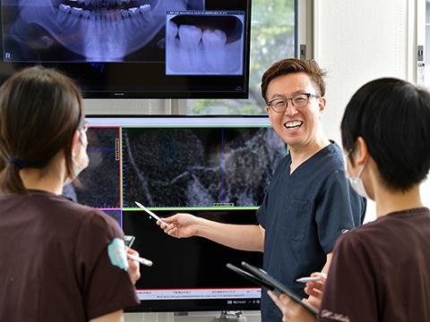 インプラントや全顎症例の治療が学べ、実践できる